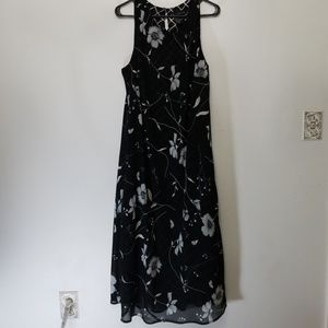 Womens plus size dress Black and white floral